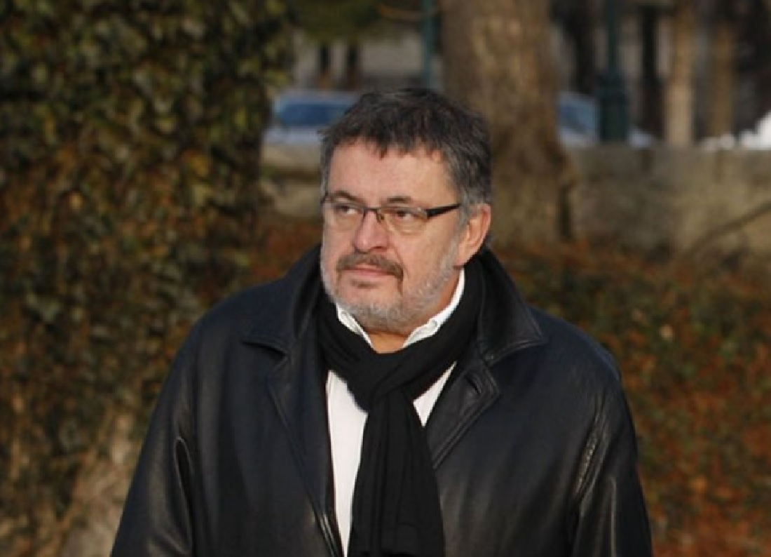 BRANISLAV MIĆUNOVIĆ KRŠI ZAKON: Ambasador sakrio 15.000 kvadrata